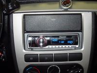 Автомагнитола была установлена в штатное место.  Pioneer DEH-P65BT.  Lifan Breez.  Автомобиль.